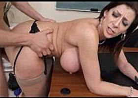 Professora madura Gostosa dando a buceta Grande para o Estudante