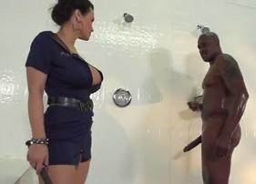 Policial Gostosa e Safada não Aguentou ver o Negócio Grande do Negão