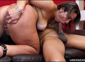 Vagabunda Gostosa se divertindo com um macho que sabe fazer ela e muito bem sentir prazer