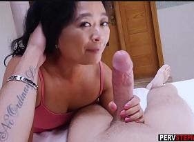 Safada da sogra no sexo quente com o Genro que tem uma boa ferramenta para satisfazer ela