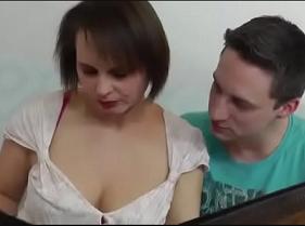 Madura Safadona demais jogando sedução para cima de seu sobrinho