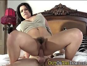 Madura Apetitosa realizando o desejo de foder com o maridão da filha