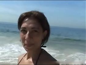 Coroa saiu da Praia para fazer Sexo Caseiro com um cara que a mesma nunca viu na vida