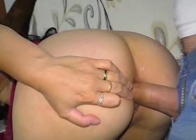 Arrombando o cuzão da madura casada rabuda que gosta de meter gaia