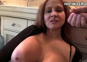 Xvideos Gozadas com uma sogra peituda ganhando leitinho do genro